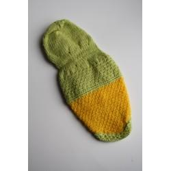 Дрешка за Малко Куче- Ръчно Плетена Жълто-зелена