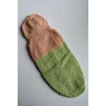 Плетена Дрешка с Качулка - Ръчно Изработена Прасковено-зелена