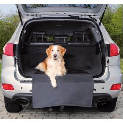 Trixie предпазна постелка за багажник на кола за куче
